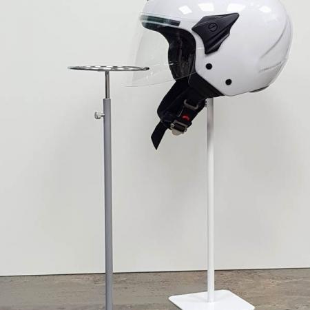 soporte para cascos de sobremesa