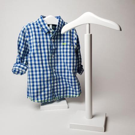percha de niño de madera para tienda de ropa de niño