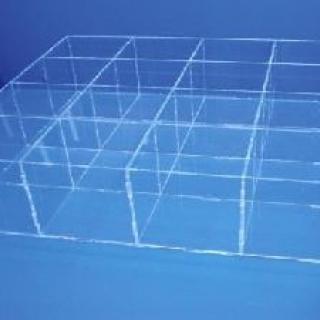 Caja sin tapa 16 huecos 10x10x12 cm